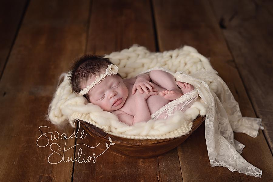 Newborn photographer overland park best kansas city newborn photographer